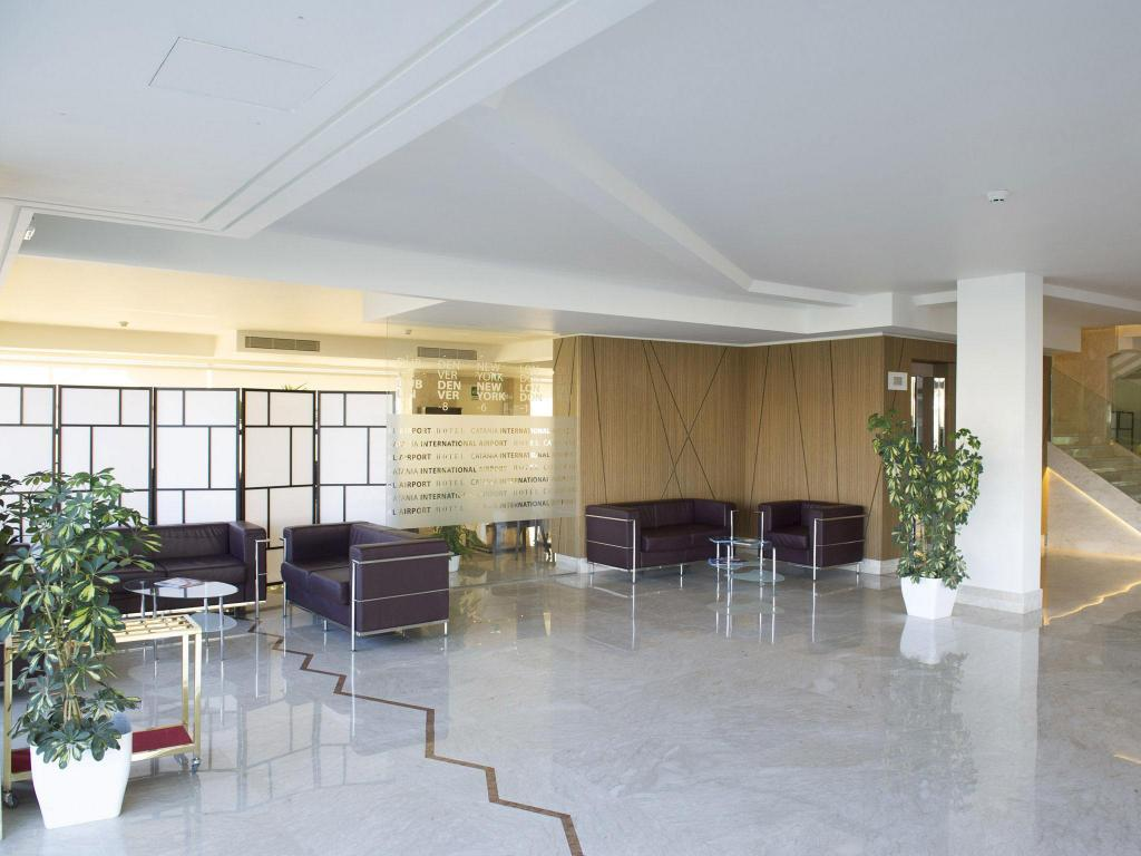 Лоби Catania International Airport Hotel