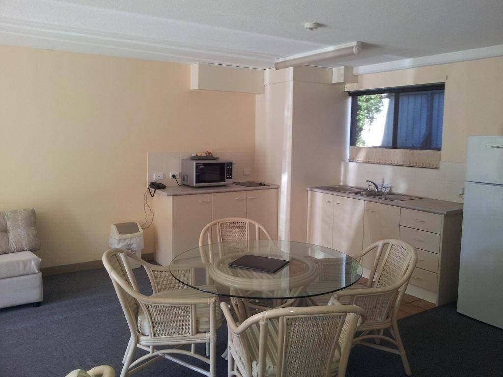 2 Bedroom Apartment Nelson Bay Breeze Holiday Apartments