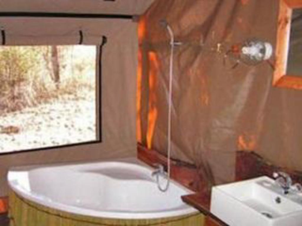 Bad Nhoma Safari Camp