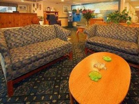 לובי Quality Inn Cape Cod