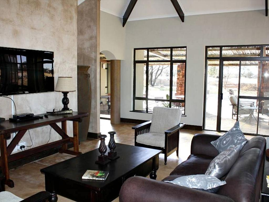 Executive lounge Otjiwa Safari Lodge