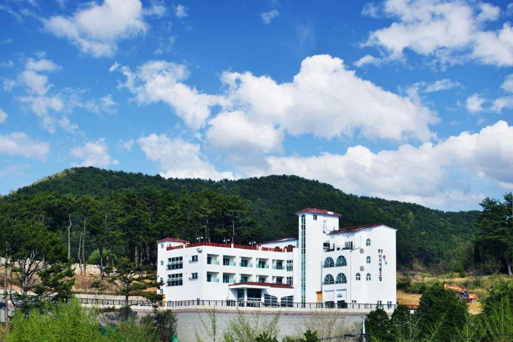 Tongyeong Beachcastle Resort
