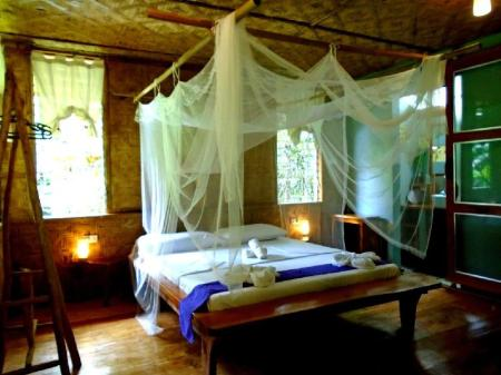 Bungalow Suite - Bedroom Nypa Style Resort Camiguin