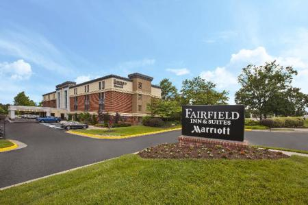 Экстерьер Fairfield Inn & Suites Herndon/Reston