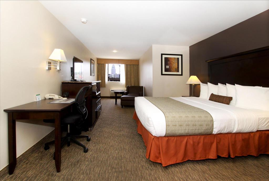 King Room - Guestroom Best Western Plus Dragon Gate Inn