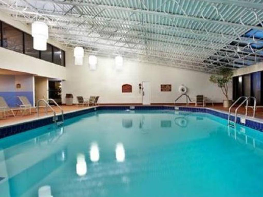 Piscina Holiday Inn Lafayette North