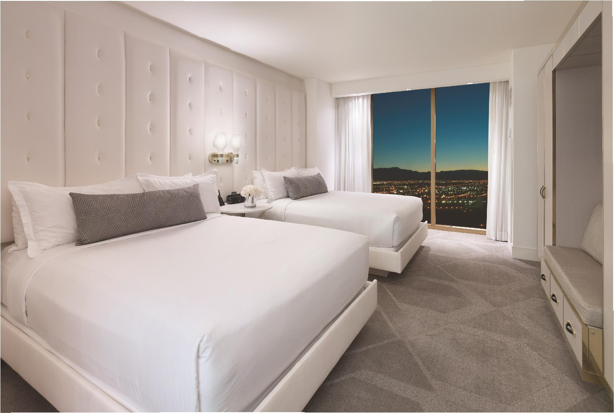 Delano Queen Suite