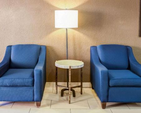 Hol Comfort Suites Airport Charlotte