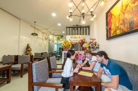 Lobby STOP and GO Boutique Homestay in Hue