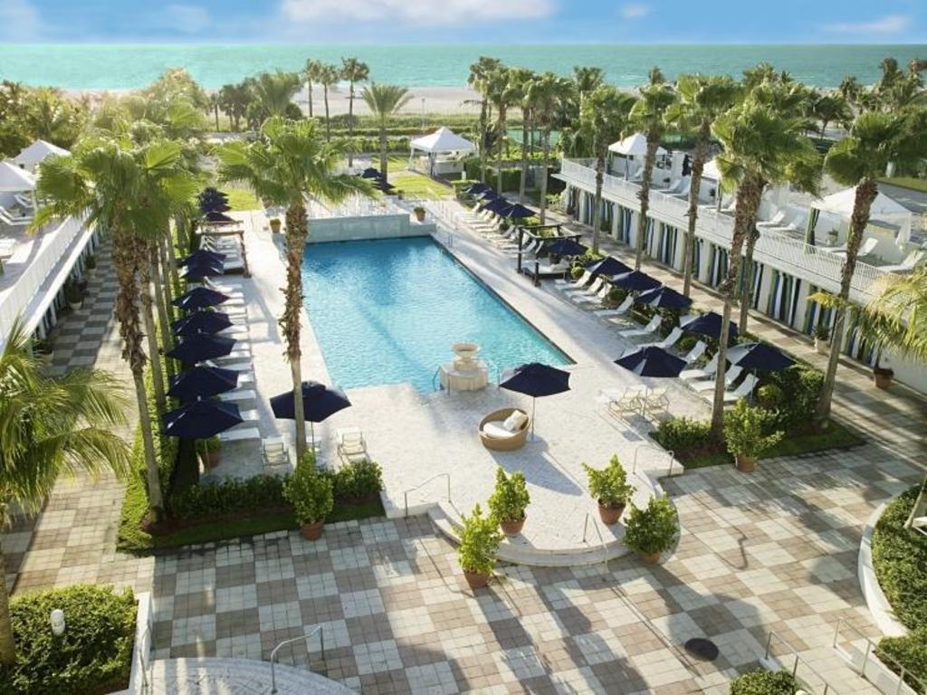 Kimpton Surfcomber Hotel in Miami Beach (FL) - Room Deals, Photos & Reviews