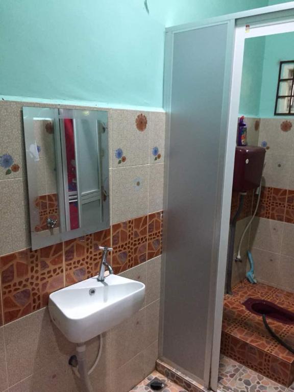 760+ Gambar Bilik Air Rumah Kampung HD Terbaru