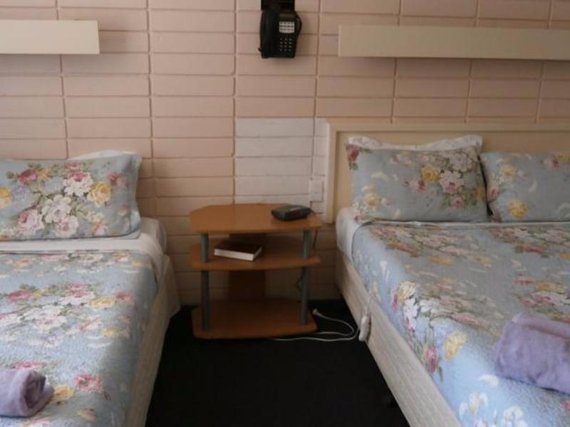 avenue motel in ballarat room deals photos reviews. Black Bedroom Furniture Sets. Home Design Ideas