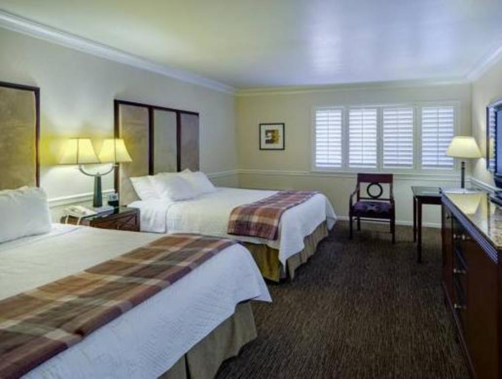 Double Queen Bed Best Western Plus Novato Oaks Inn
