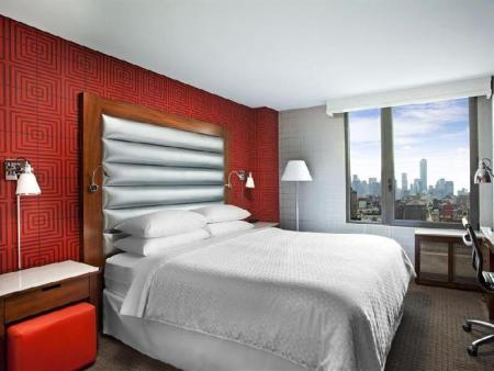 Guest room, 2 Queen, Corner room, High floor Four Points by Sheraton Manhattan Chelsea