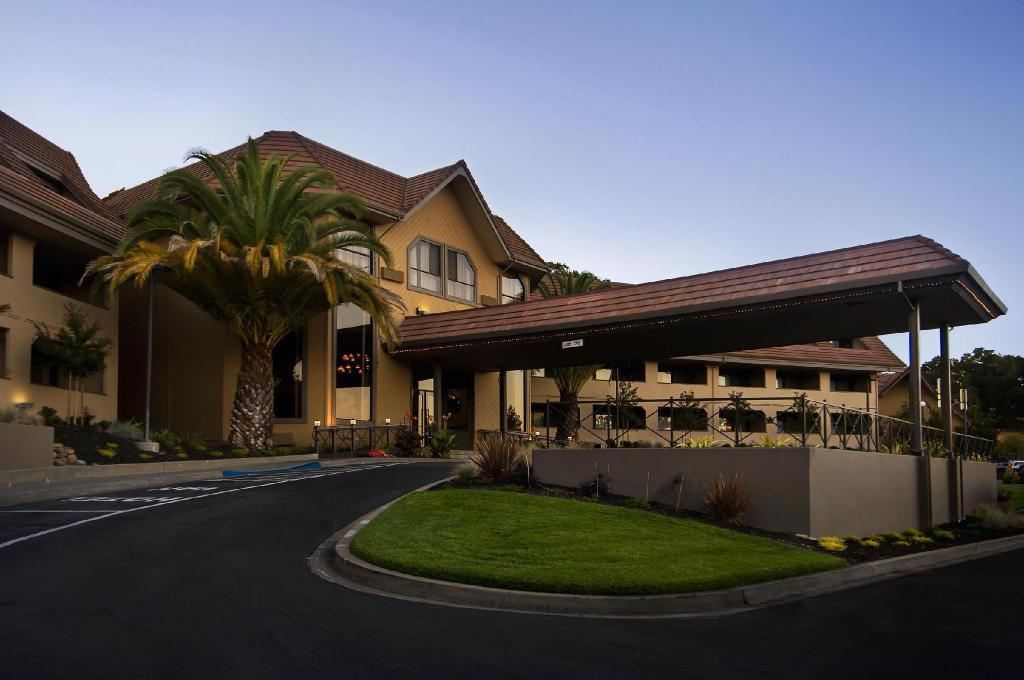 Best Western Plus Novato Oaks Inn