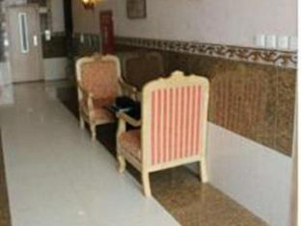 Foyer Makarim Al Sharq Apartments