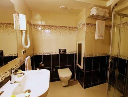 Bathroom Saadet Grand Hotel