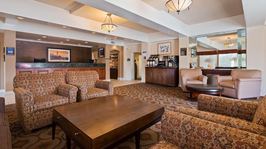 Lobby Best Western Merry Manor Inn