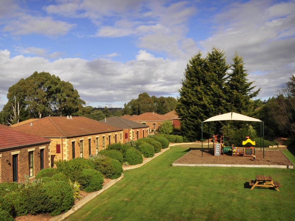 Country Club Villas Launceston