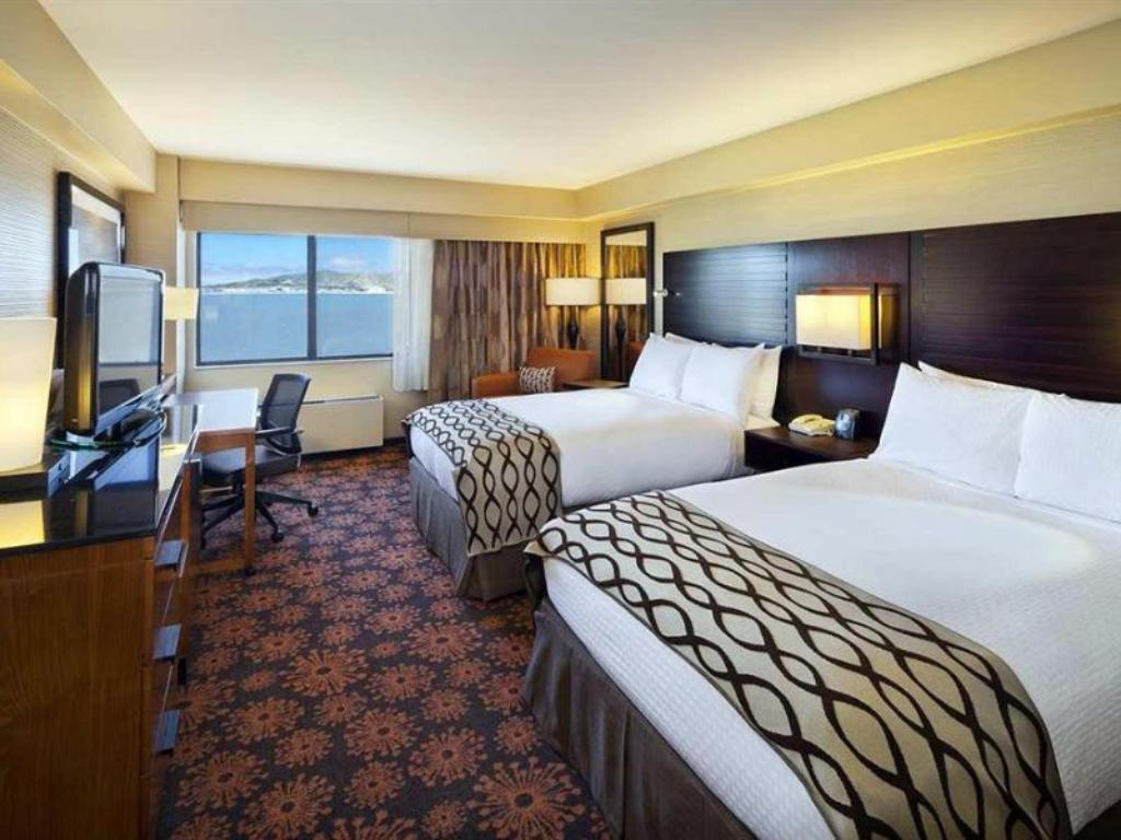 2 Double Beds 2 Room Suite DoubleTree by Hilton Hotel San Francisco Airport