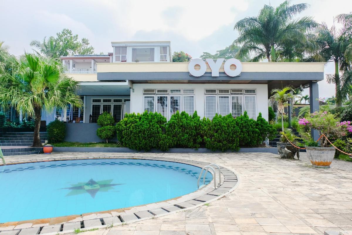 Oyo 803 Toetie Hotel Resort Malang Deals Photos Reviews