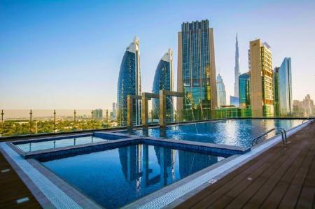 Swimming pool Gevora Hotel - The Tallest Hotel in the World