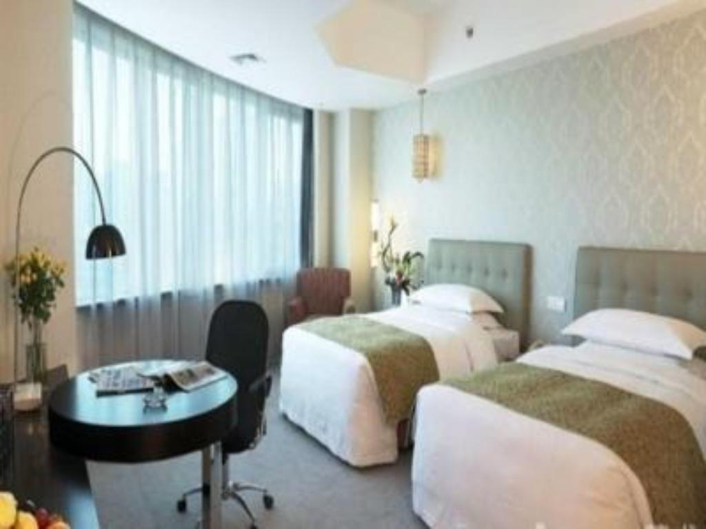 Luxemon Xinjiang Hongfu Hotel in Urumqi - Room Deals