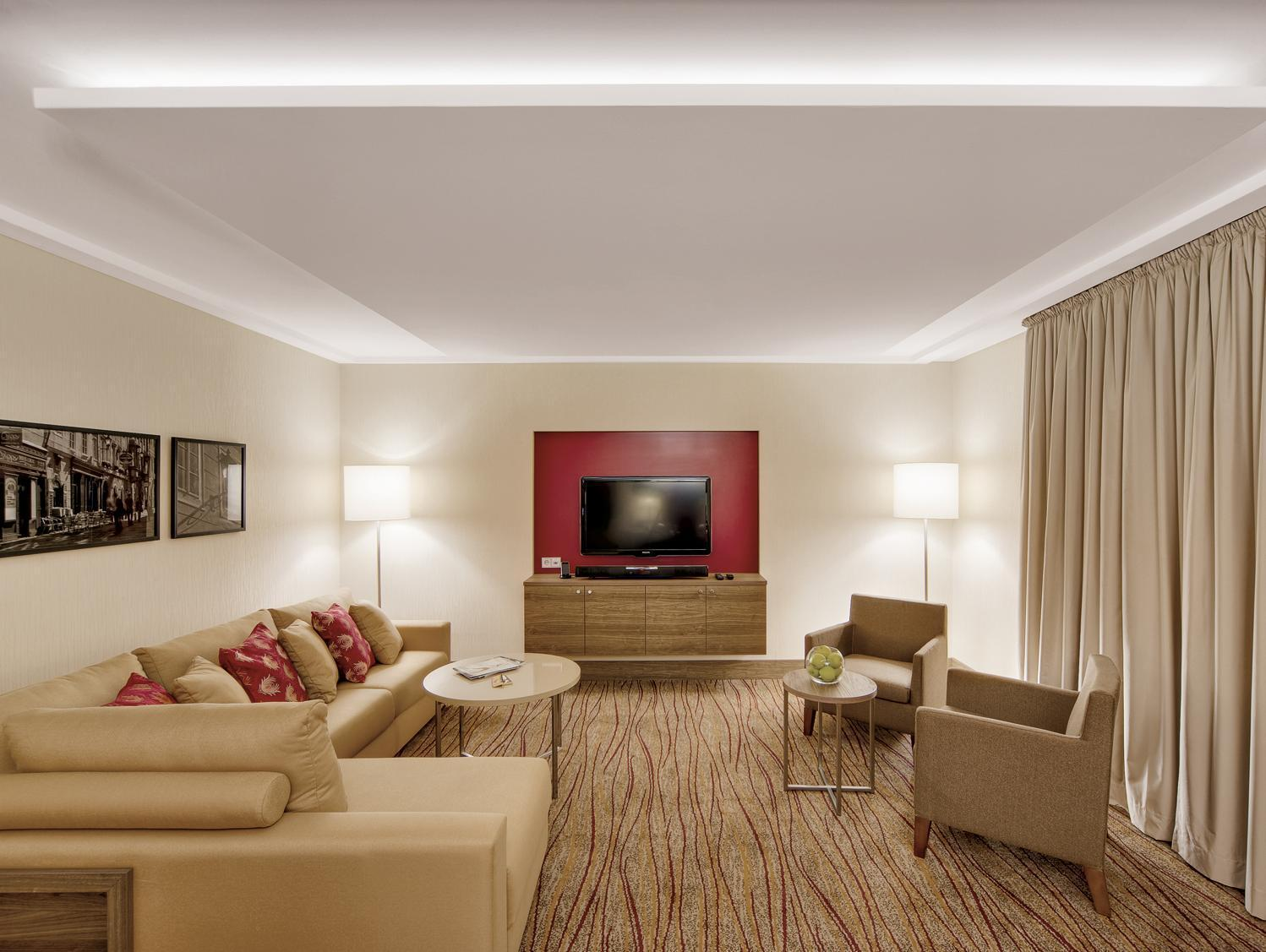1 Bedroom Presidential Suite, 1 King, Sofa bed