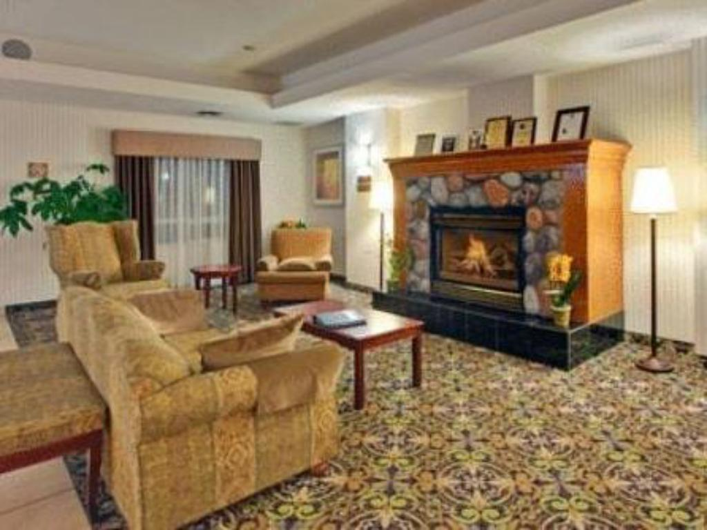 Pemandangan dalam Holiday Inn Express Hotel & Suites - Edmonton International Airport