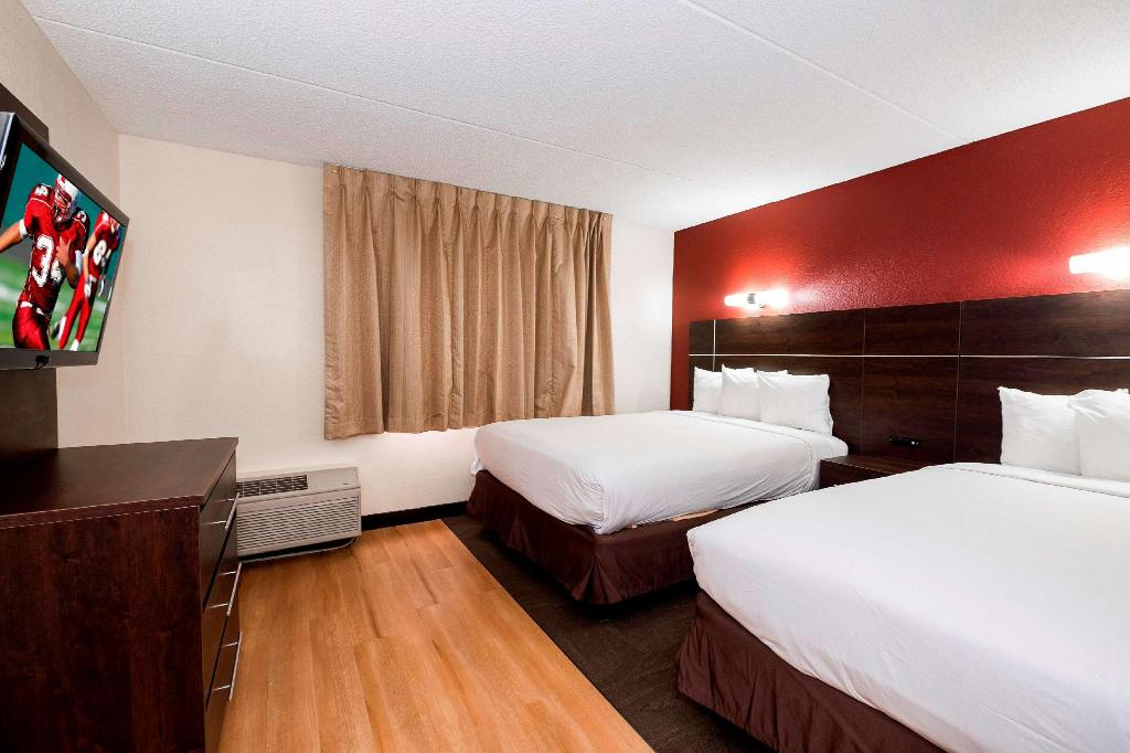 Suite 2 Queen Beds with Balcony Smoke Free - Bed