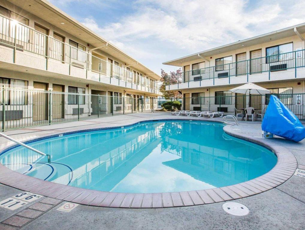 Best Price on Comfort Inn Yosemite Area in Oakhurst (CA ... | 1018 x 768 jpeg 133kB