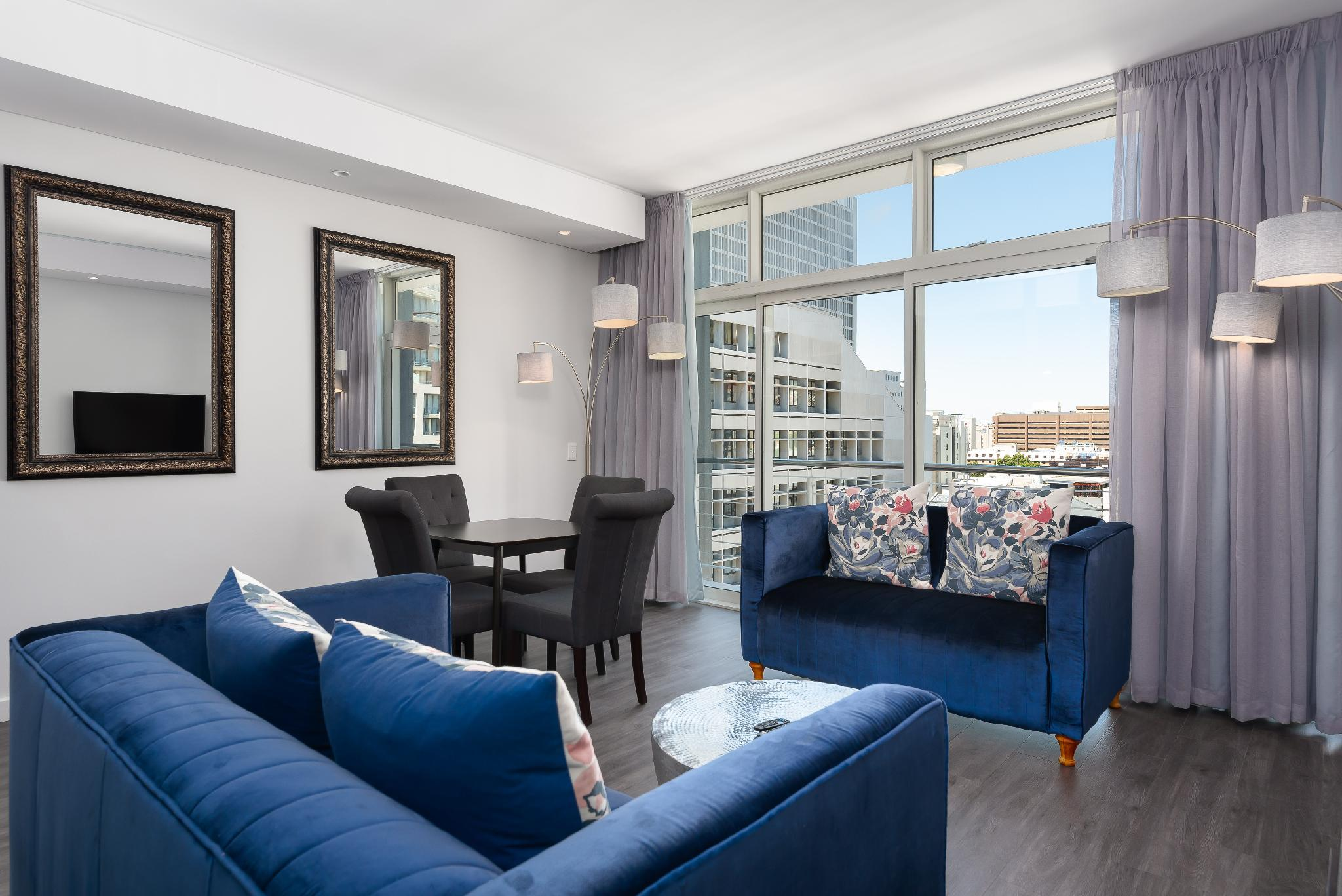 Petit Bureau Pour Studio the sentinel luxury apartments, cape town - booking deals