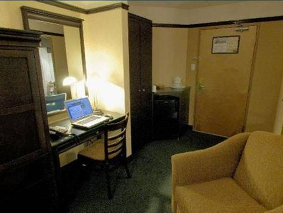 Economy Queen Room with Two Queen Beds