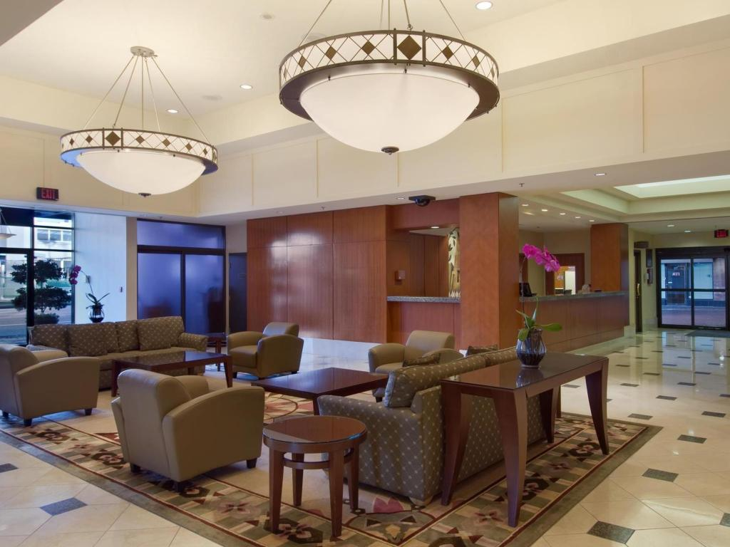 Lobby Hilton Vancouver Airport Hotel