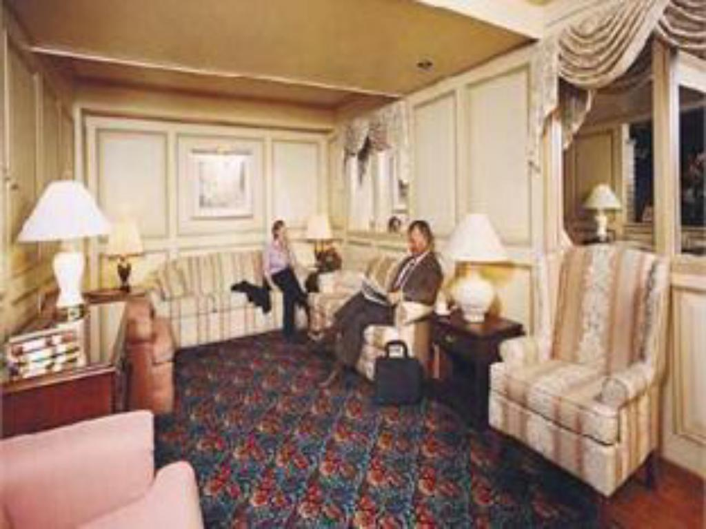 Lobby Royal Scot Hotel & Suites