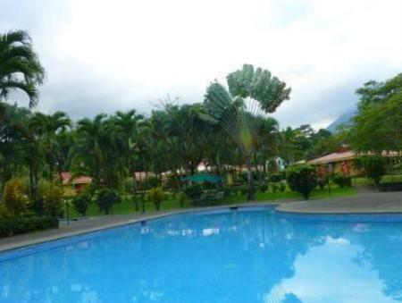 Swimming pool Hotel Arenal Country Inn