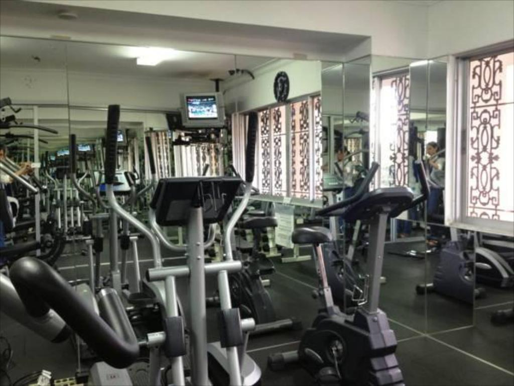 Fitness center Plaza Florida Suites