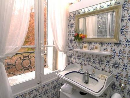 chateau de valmousse lambesc room deals reviews. Black Bedroom Furniture Sets. Home Design Ideas