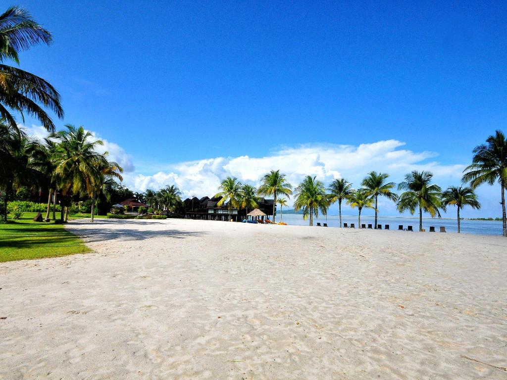 ชายหาด Langkawi Lagoon Resort