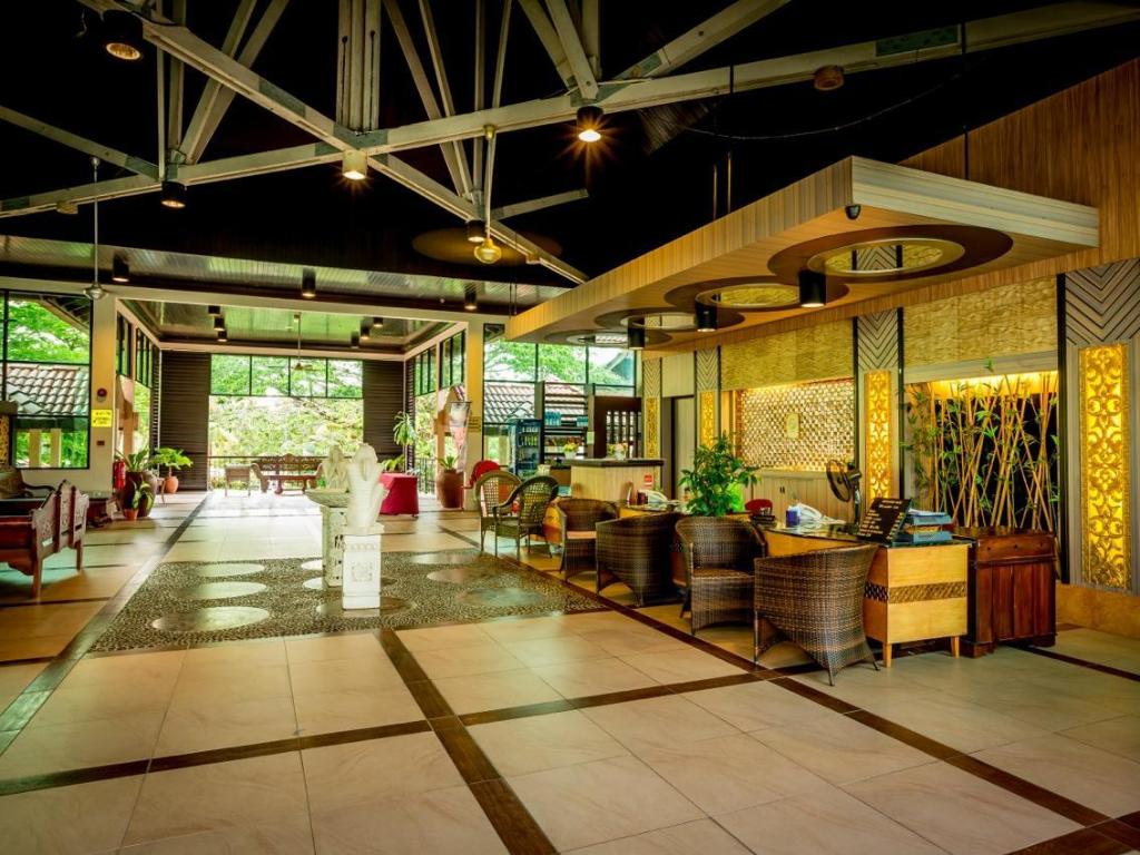 Lobby Beringgis Beach Resort & Spa