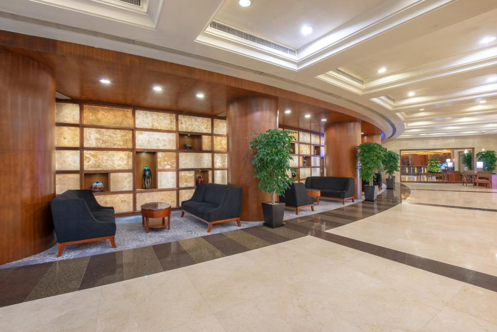 Resepsionis Crowne Plaza Zhuhai City Center