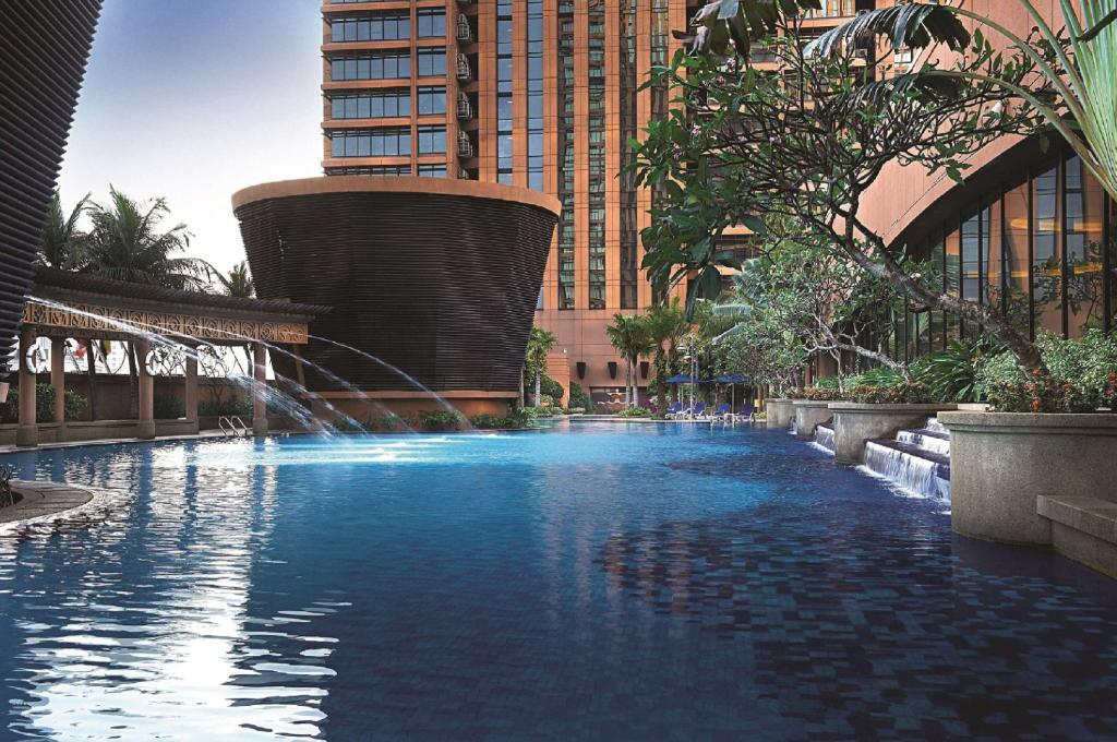 Berjaya times square hotel kuala lumpur in malaysia - Piccolo hotel kuala lumpur swimming pool ...