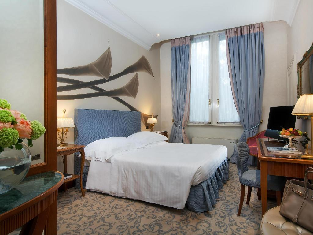 Superior Double Room Aldrovandi Villa Borghese - The Leading Hotels of the World