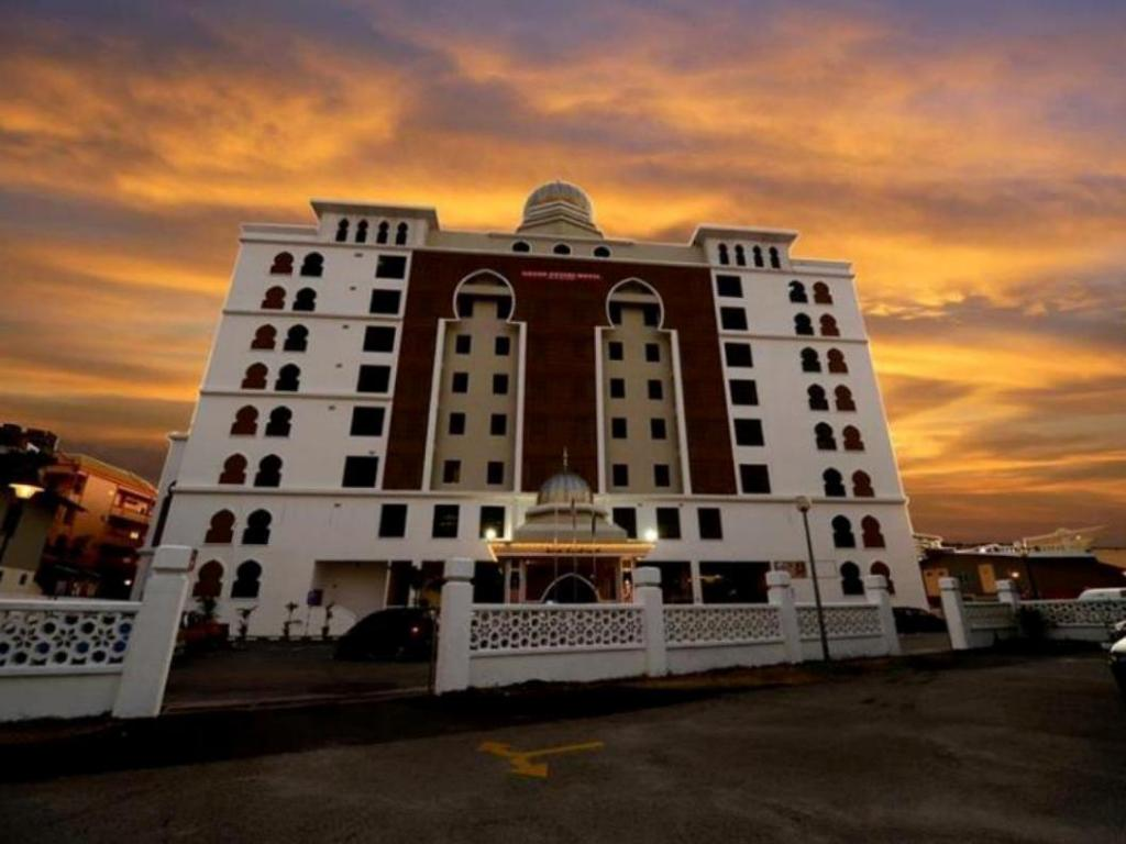 More about Grand Puteri Hotel
