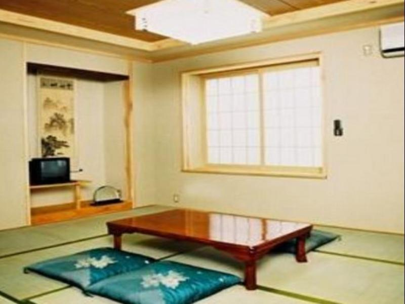 Gut Japanese Style   Guestroom Mishuku Land Haus Azegami