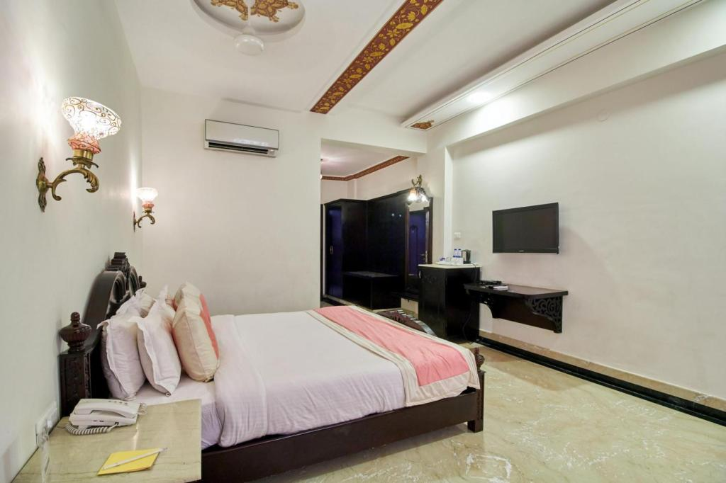 Interior view Bhairavgarh By Zennia Hotels