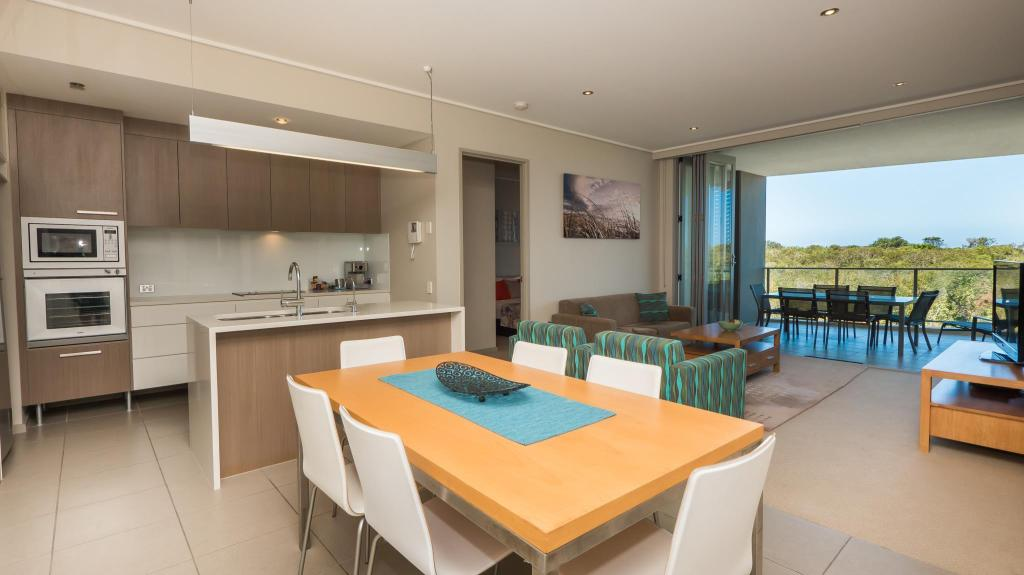 2 Bedroom Suite White Shells Luxury Apartments