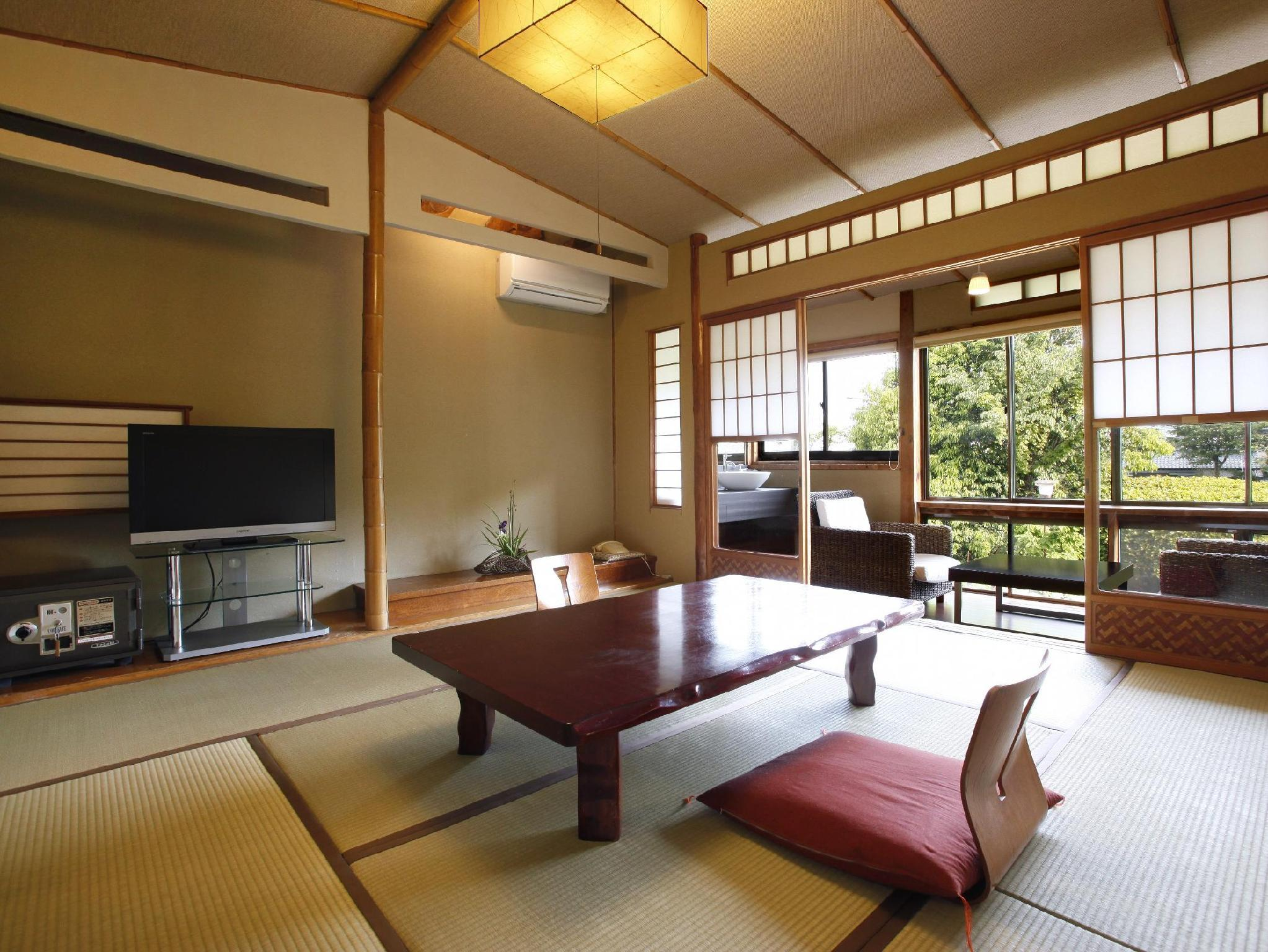 日式客房 - 需共用衛浴 (Japanese Style Room with Shared Bathroom)