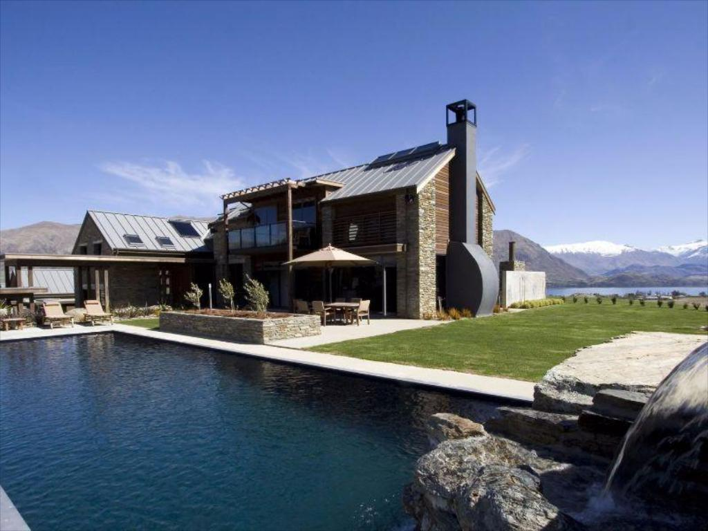 Best Price on Tin Tub Luxury Lodge in Wanaka + Reviews!