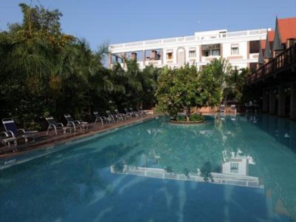 Best price on mango hill by poppys in pondicherry reviews for Best hotels in pondicherry with swimming pool